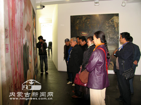 内蒙古伊金霍洛补连塔小学绘画的图片