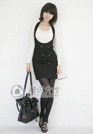 色修身西装外套+黑色丝袜