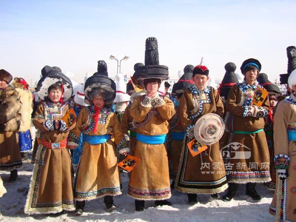 冬季蒙古族服装服饰璀璨乌珠穆沁大草原