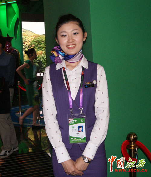 实拍:世博会中国各省区馆美女解说员-实拍:世博