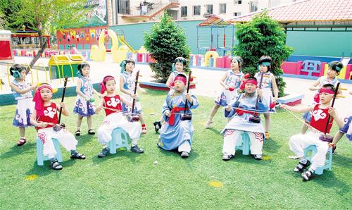 通辽市蒙古族幼儿园喜迎儿童节