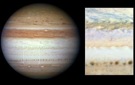 哈勃揭秘撞击木星天体为太空岩石