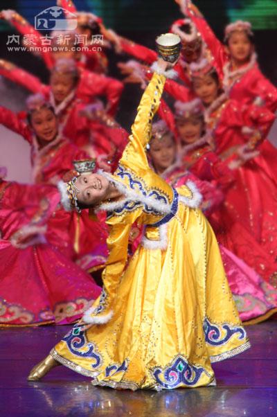 少儿民族舞蹈《爱我中华》