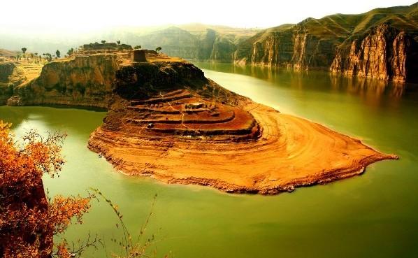 内蒙古老牛湾黄河大峡谷旅游景区
