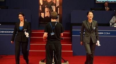 两位美女裁判同时主裁世锦赛