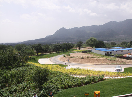 回民区 新闻中心 国内要闻 正文    近年来,东乌素图村按照回民区提出