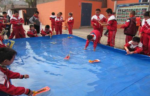呼和浩特市回民区塔布板小学乡村学校少年宫组织学生