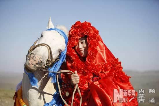 换机归宿的灵魂:艺术家孔宁嫁达茂蒙古马一键寻找的具体步聚图片