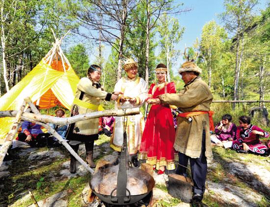 成为传承和弘扬民族文化的一项重要途径,更是增进民族团结和民族