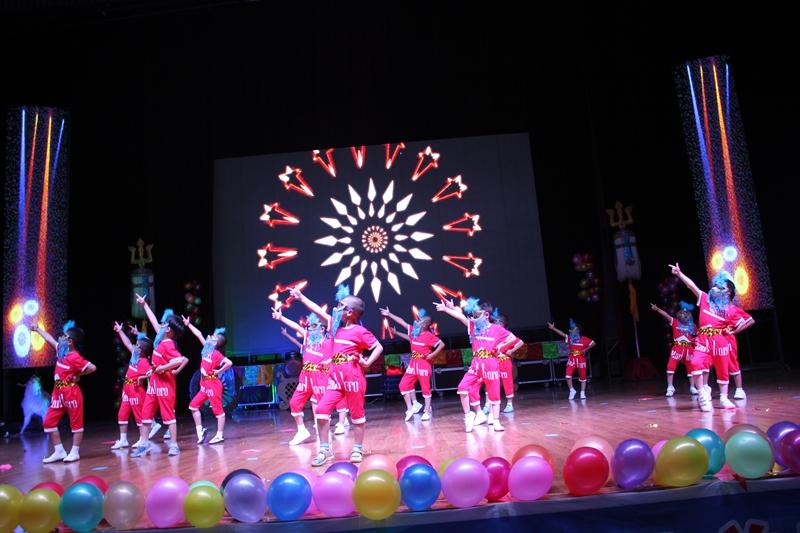 舞蹈节目《小苹果》