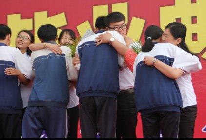 伊旗一中2015届毕业初中圆满举行谁是典礼校长高杨店镇图片