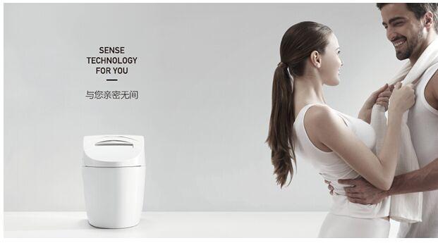 """屈指一算,二十年过去了,在中国智能马桶行业中涌现了无数知名领军品牌,成为行业的佼佼者,如箭牌、九牧、恒洁等。箭牌卫浴推出智能座便器更是大大地颠覆了卫浴行业传统,把智能的人性化产品带给了市场,颇受关注。面对箭牌卫浴智能座便器的问世,甚至有专家称到,在这个行业里终于有人从""""工业时代产品为王""""的思维中跳脱了出来,真正做到了以用户为核心的进化。"""