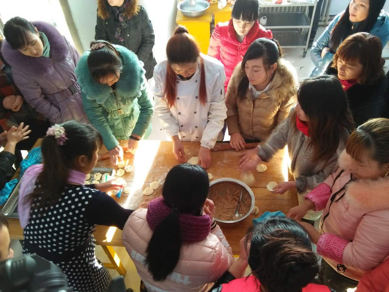 扎赉特旗巴彦扎拉嘎乡:开办中式面点培训班-内蒙古网