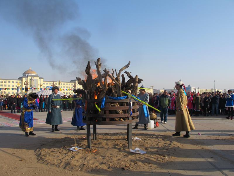 蒙古族民俗——祭火-内蒙古文明网-内蒙古新闻网