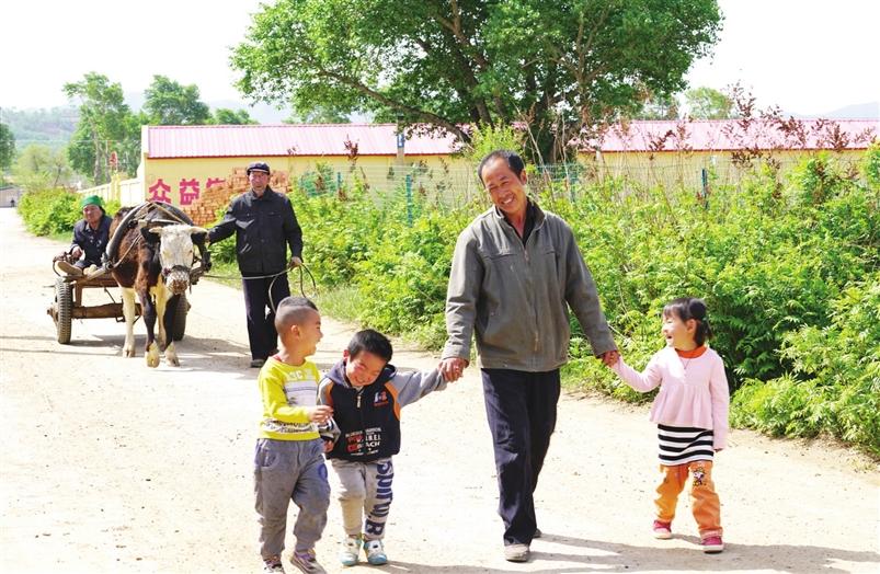 李森:坚守教学点 只为贫困孩子有学上