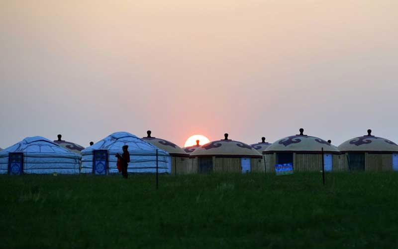 蒙古汗城的落日余晖.jpg
