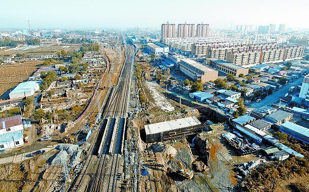 正在施工中的通辽至新民北客运专线.