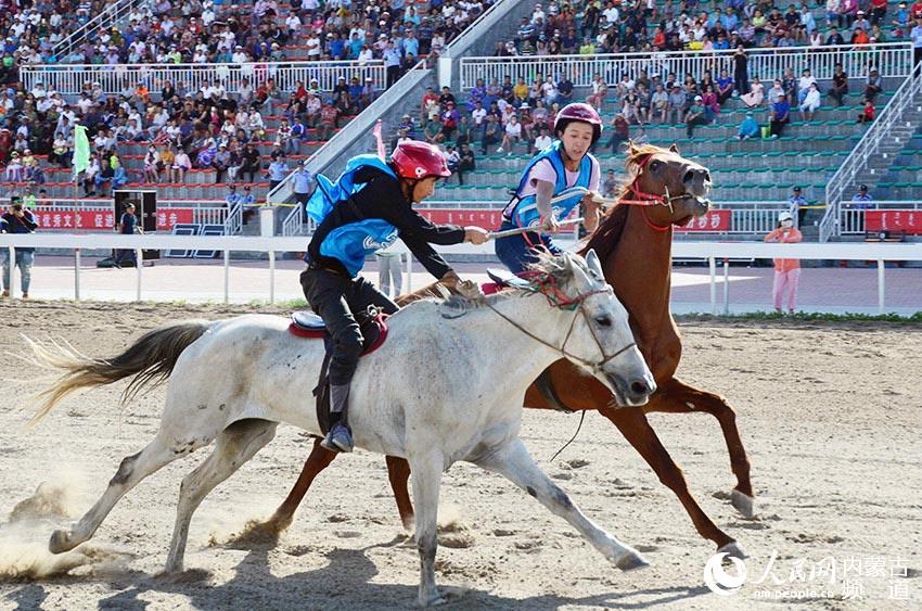 马背上的接力赛