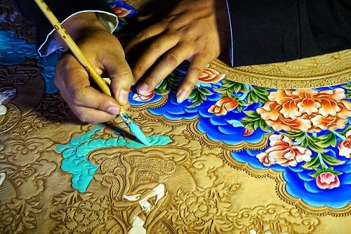 蒙古皮雕画非遗传承人:在创新中传承