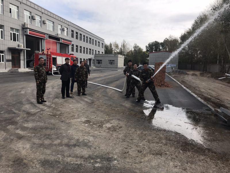 突泉县政府为宝石镇政府专职消防队购买消防车