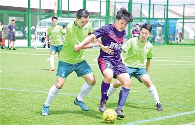 呼和浩特队成为区运会笼式足球群体组双冠王