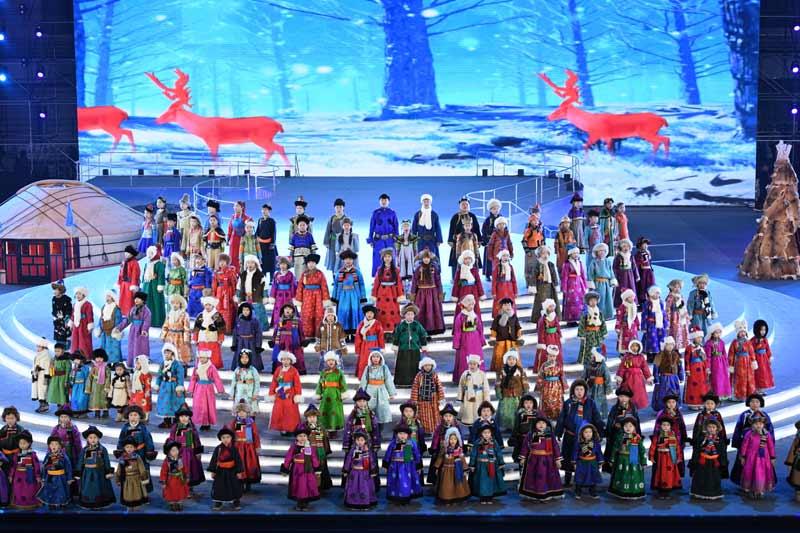 内蒙古自治区第二届冬季运动会在呼伦贝尔开幕 布小林宣布运动会开幕