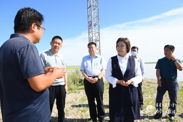[时事新闻]布小林在呼伦贝尔市调研呼伦湖生态综合治理和民族传统奶制品产业发展
