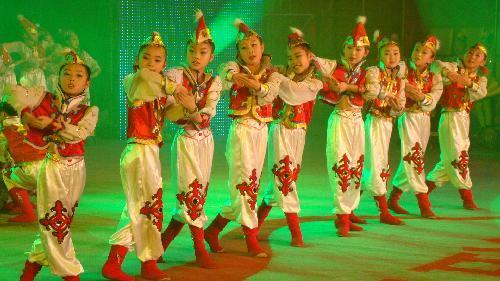 少儿舞蹈《雕花的马鞍》即将登上全国少儿春晚舞台